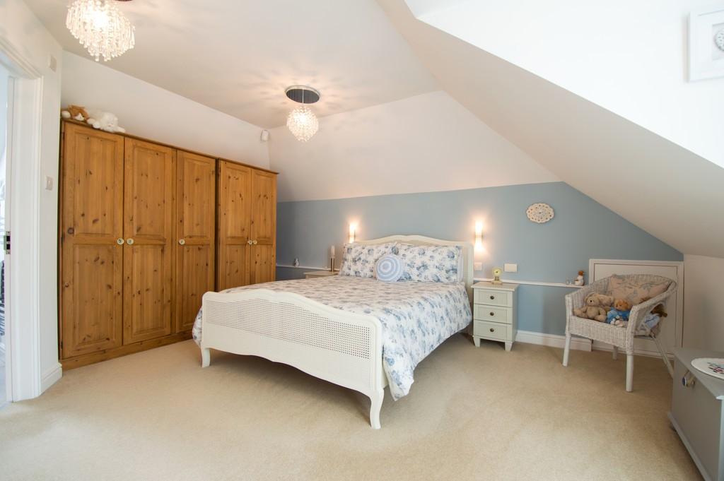 White Ladies Aston, Worcestershire WR7 4QJ property