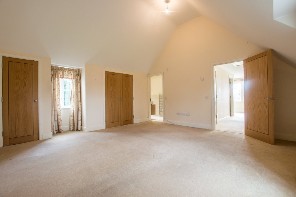 Gloucester Road, Stratton, Cirencester GL7 2LJ property