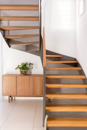 what-to-do-with-that-under-stairs-space