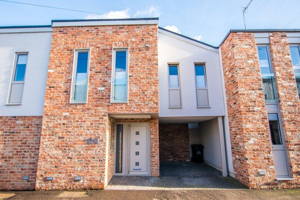 Wellington Lane, Cheltenham GL50 4JF property