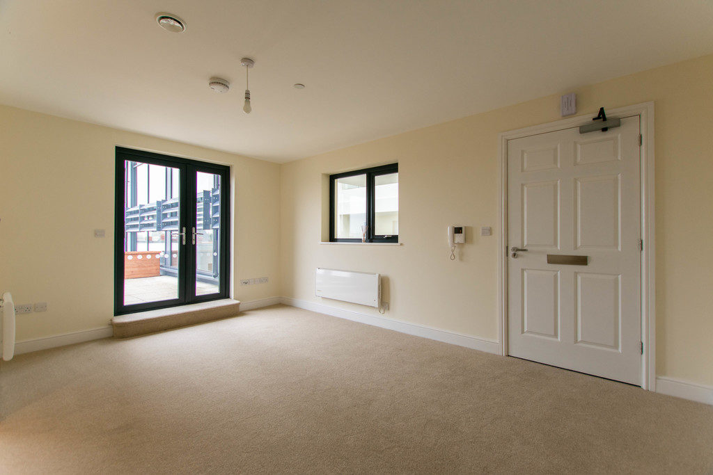 Honeybourne Gate, Cheltenham GL51 8DW property