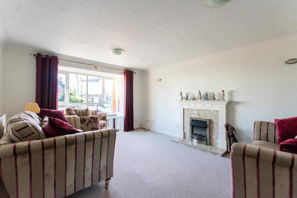 Upton Close, Barnwood, Gloucester GL4 3EZ property