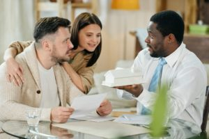 young-couple-with-mortgage-consultant