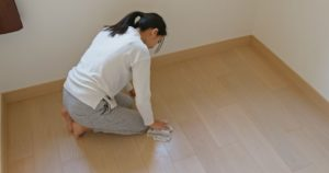 woman-clean-the-floor-for-spring-clean-at-home